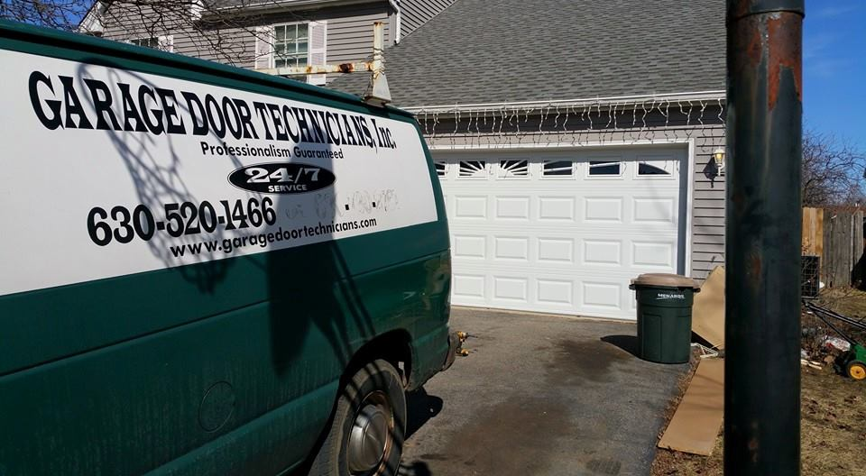 Garage Door Service Aurora IL